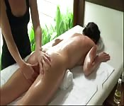 Massage lesbien orgasmique
