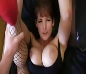 Rousse aux seins énormes baisée en POV