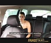 Piégée dans un taxi