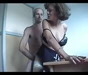 Couple mature français fait un porno