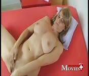Femme sexy se masturbe