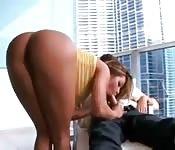 Latina baisée dans un studio