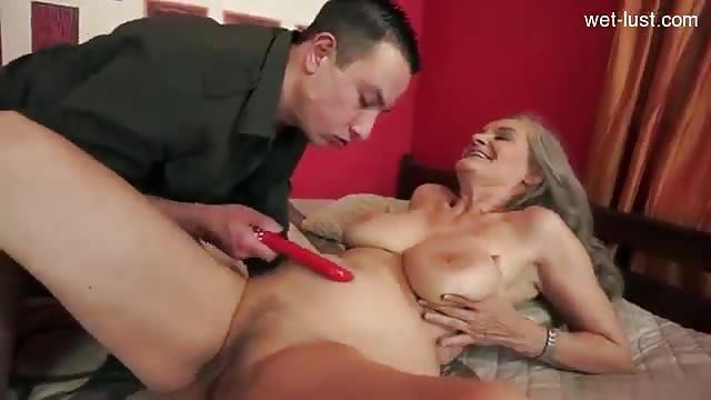 Versaute German Sexorgie im Cuckold Style
