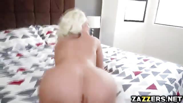 Femme affamée et excitée